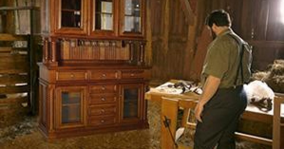 Amish furniture building | Ohio\'s Amish Country