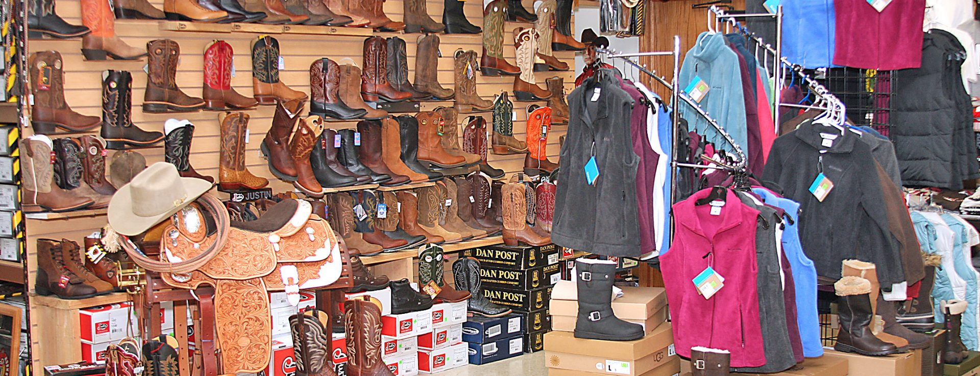 Charm Harness and Boot Ohio's Amish Country  Ohio's Amish Country
