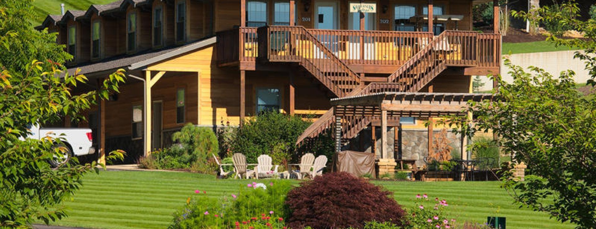 Sojourner S Lodge Amp Log Cabin Suites Ohio S Amish Country